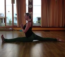 Pernille Caroline Lotus - Yoga-udfordring 5